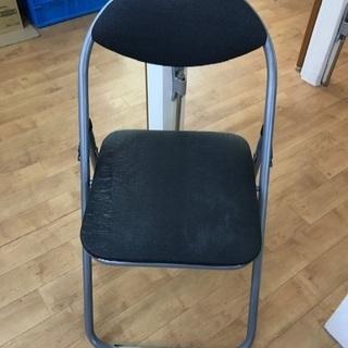 折りたたみ椅子3脚