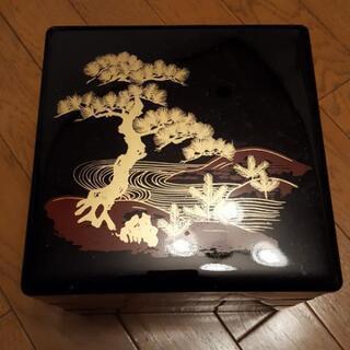 重箱 3段 光沢黒塗り 松の柄 金色