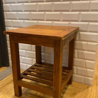 サイドテーブル(2)