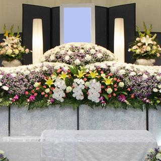 家族葬や一日葬も品質本位で価格は抑えめ