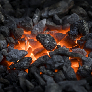 暖房、アルミ鋳造に最適!!無煙コークス10kg!木炭よりはるかに...