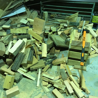 薪  角材 乾燥材料 薪割り