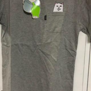新品グレーTシャツ