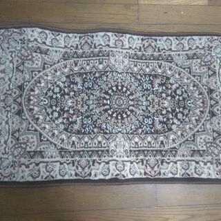 ウイルトン織、ペルシャデザイン、新品です。玄関マットにいかがですか?