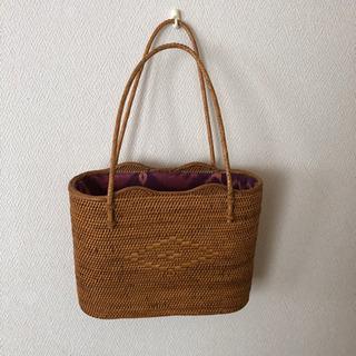 バリのカゴバッグ