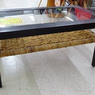 バナナリーフガラステーブル