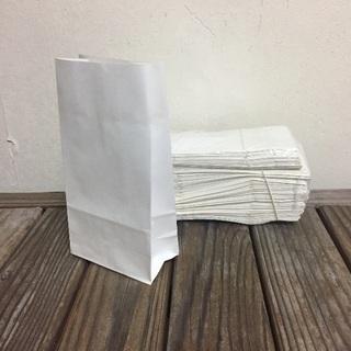 白いラッピング袋
