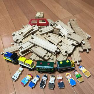 木のおもちゃ 電車 線路 人形
