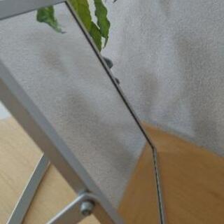 シンプル シルバー 角度調整可能 置き型