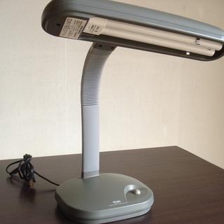 ●700円●スタンド式照明器具:勉強や手元の照明が必要なときに●