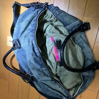 ディーゼルのショルダーバッグ、ユニセックスです‼️ 最終値下げし...