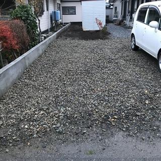 駐車場 貸します 2トンロングトラック可能 幅3m×長さ7m 先...