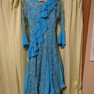 ゴージャスなロングドレス!カラオケやダンスの衣装に!