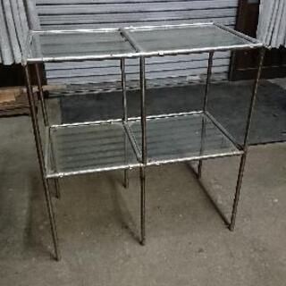 ガラス板の台(中)
