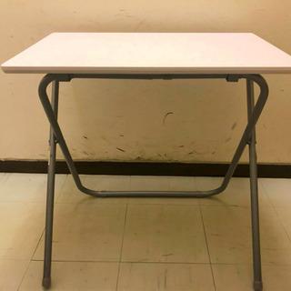 ニトリ折り畳みテーブル 机 デスク
