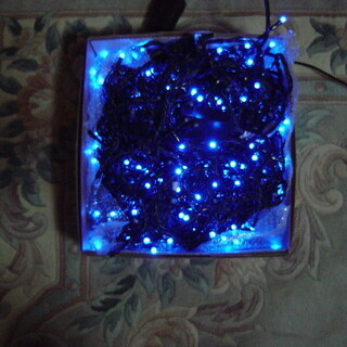 屋内、屋外クリスマスイルミネーション。発光ダイオードブルー300...