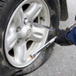 市内で車のタイヤパンクして困ってる方居たら是非