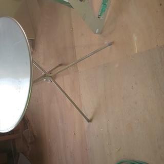 丸いテーブル600 高さ680ミリ アルミ色(シルバー)