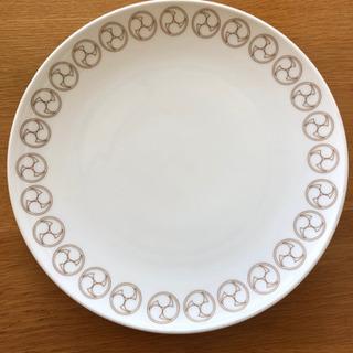 ノリタケヒルトンホテルの大皿