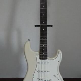 Squier by Fender Stratocaster / ...