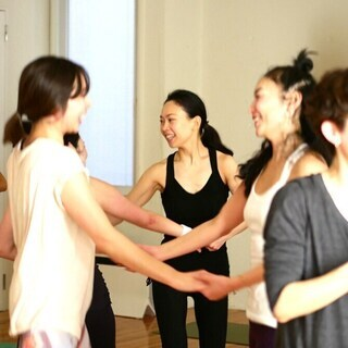 【6/4】【オンライン】- Kundalini Yoga for Everybody – 誰もができるクンダリーニヨガ 90分クラス - スポーツ