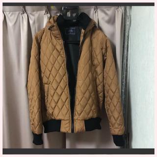 ゴールドのジャケット