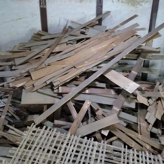 竹小舞 と 木の廃材