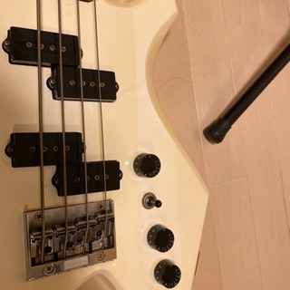 B.C. Rich Warlock Bass ワーロック Mad...