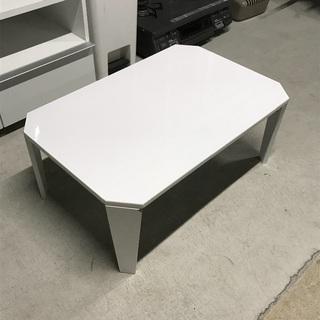 白い折りたたみローテーブルの画像