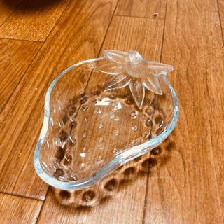 ガラス小鉢 いちご型