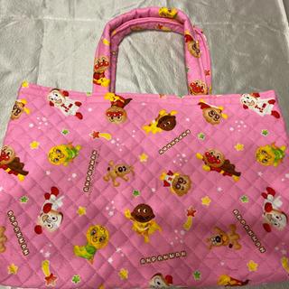 ハンドメイドのピンクのバッグ