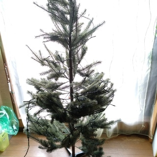 IKEAのクリスマスツリー+電飾