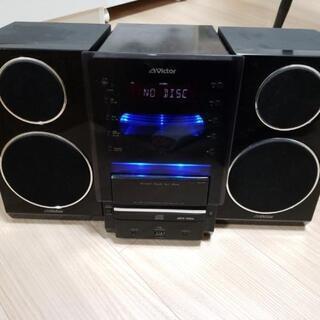 ビクター、iPodドック搭載のミニコンポ「UX-LP5」