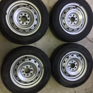 スタッドレスタイヤ  ダンロップ  175/70R14   4本