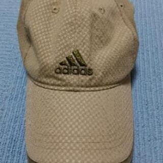 adidasの帽子①
