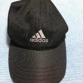 adidasの帽子②