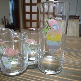 永田萌さんデザインのマグカップとピッチャー