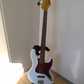 【値下げしました 美品】ベースギター ケース・シールド・ギタース...