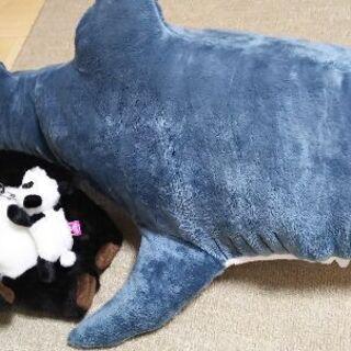 IKEAサメとパンダぬいぐるみ