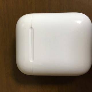 【中古】送料無料 Apple AirPods with Char...