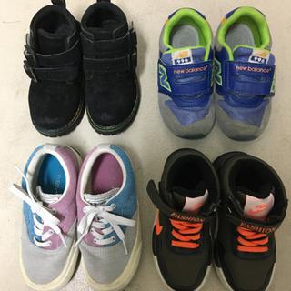 子供用靴、スニーカー