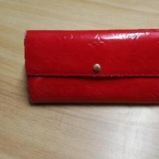 LOUIS VUITTONの長財布です。