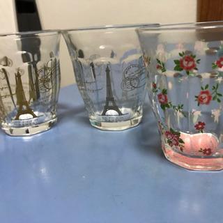 グラスのコップ3個
