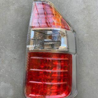 トヨタノア70 前期純正テールランプ