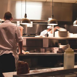月8日~10日休み!働きやすさに自信ありの本格イタリアンでキッチ...