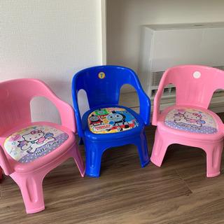 子供用椅子の画像