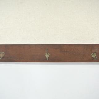 時代物 アンティークなウォールハンガー 壁掛けフック 3連 木製