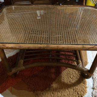引き取り限定 ガラステーブル