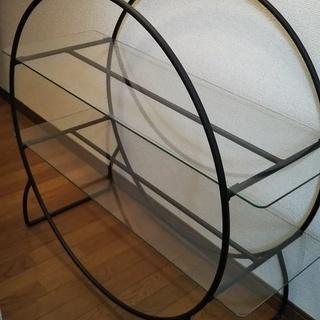 2段ガラス棚【恐縮ですが条件に合う方のみお願いします。】