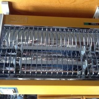 トイレ暖房に電気ストーブ   300w600wに切り替え。
